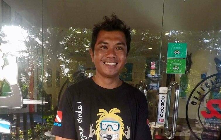 Nyoman, instructeur de plongée à Bali