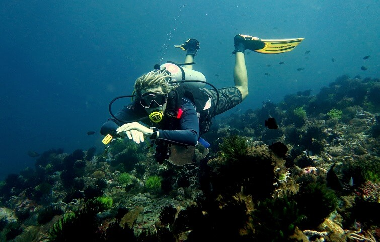 Cours de plongée avec instructeur Francophone à Bali