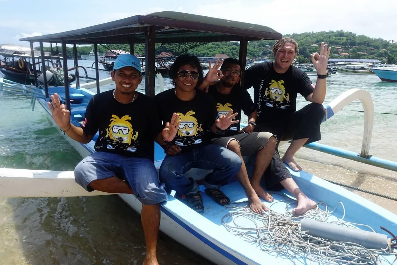Padangbai - Jukung et l'équipe de Nico Dives Cool
